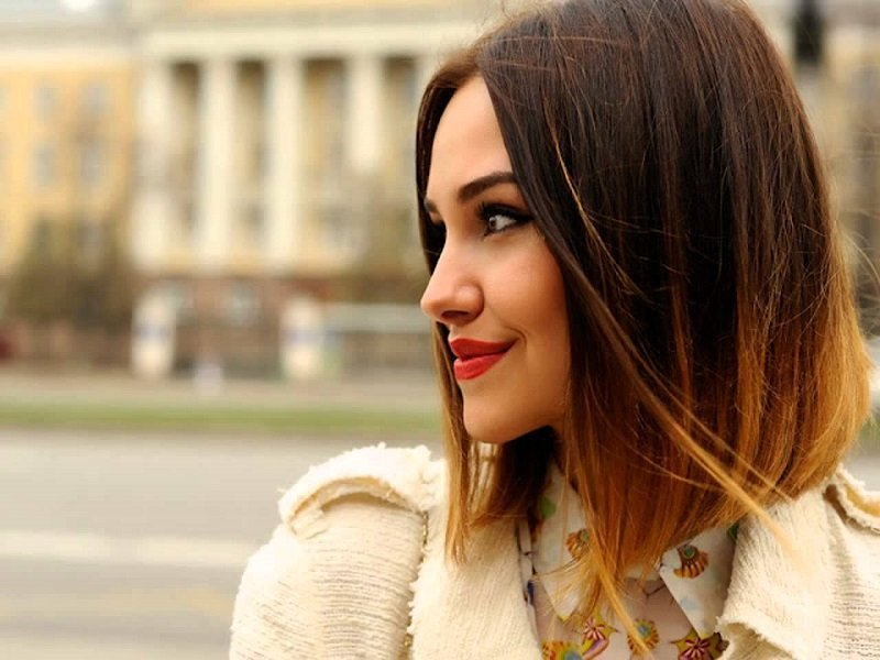 многоуровневая стрижка на средние волосы