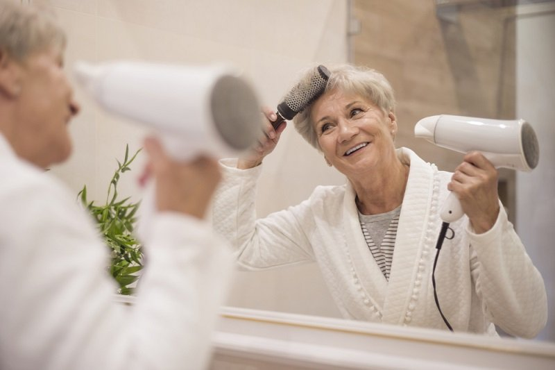 стрижки волос для женщин за 50