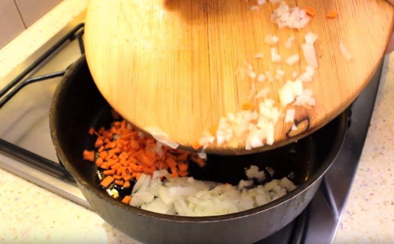 суп с фрикадельками и клецками из манки