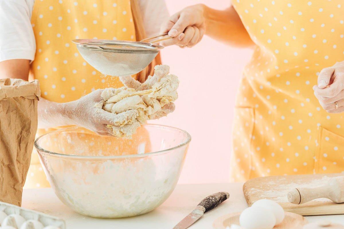 Как замесить сырное тесто на кефире и что из него приготовить Кулинария,Советы,Выпечка,Дом,Закуски,Кухня,Продукты,Сыр,Тесто