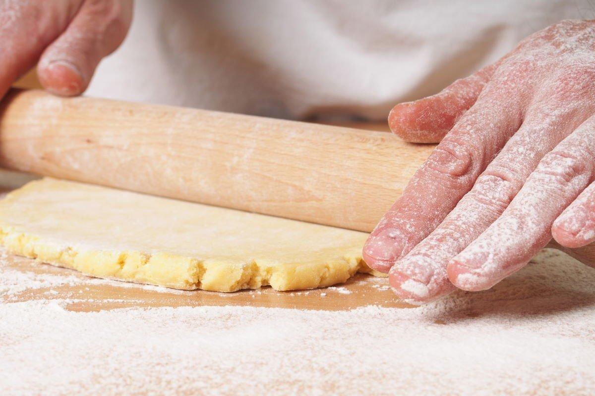 пирожные песочные коржики