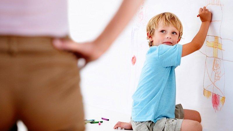 бить ребенка в целях воспитания