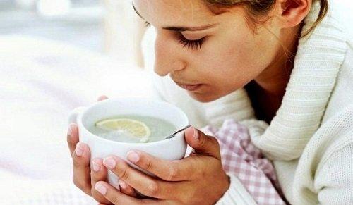 вода с лимоном в домашних условиях