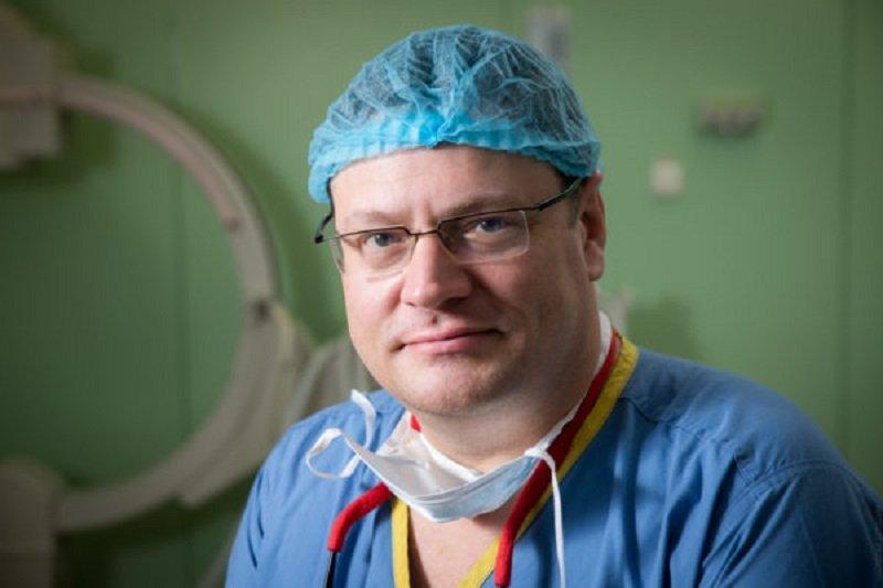 гениальный врач