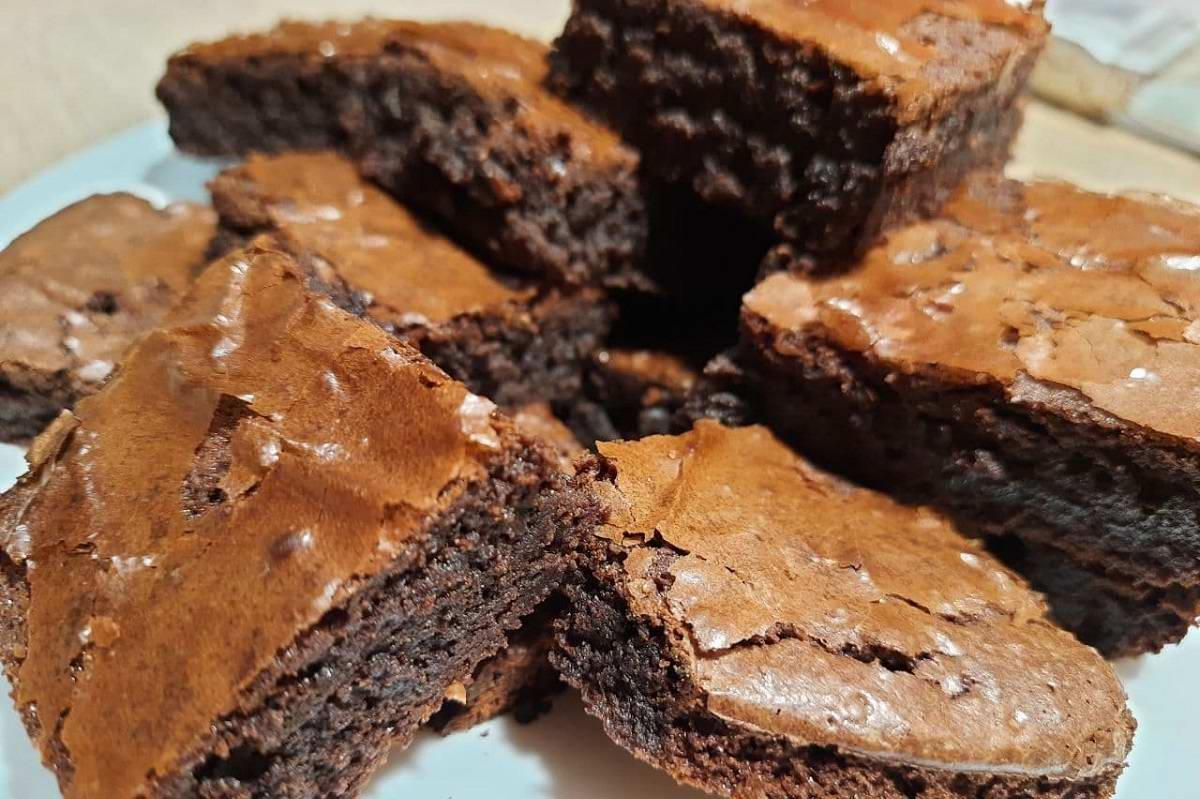 Десерт со вкусом ресторанного пирожного, от которого гости расцветают и забывают обиды Кулинария,Брауни,Десерт,Какао,Торт,Шоколад
