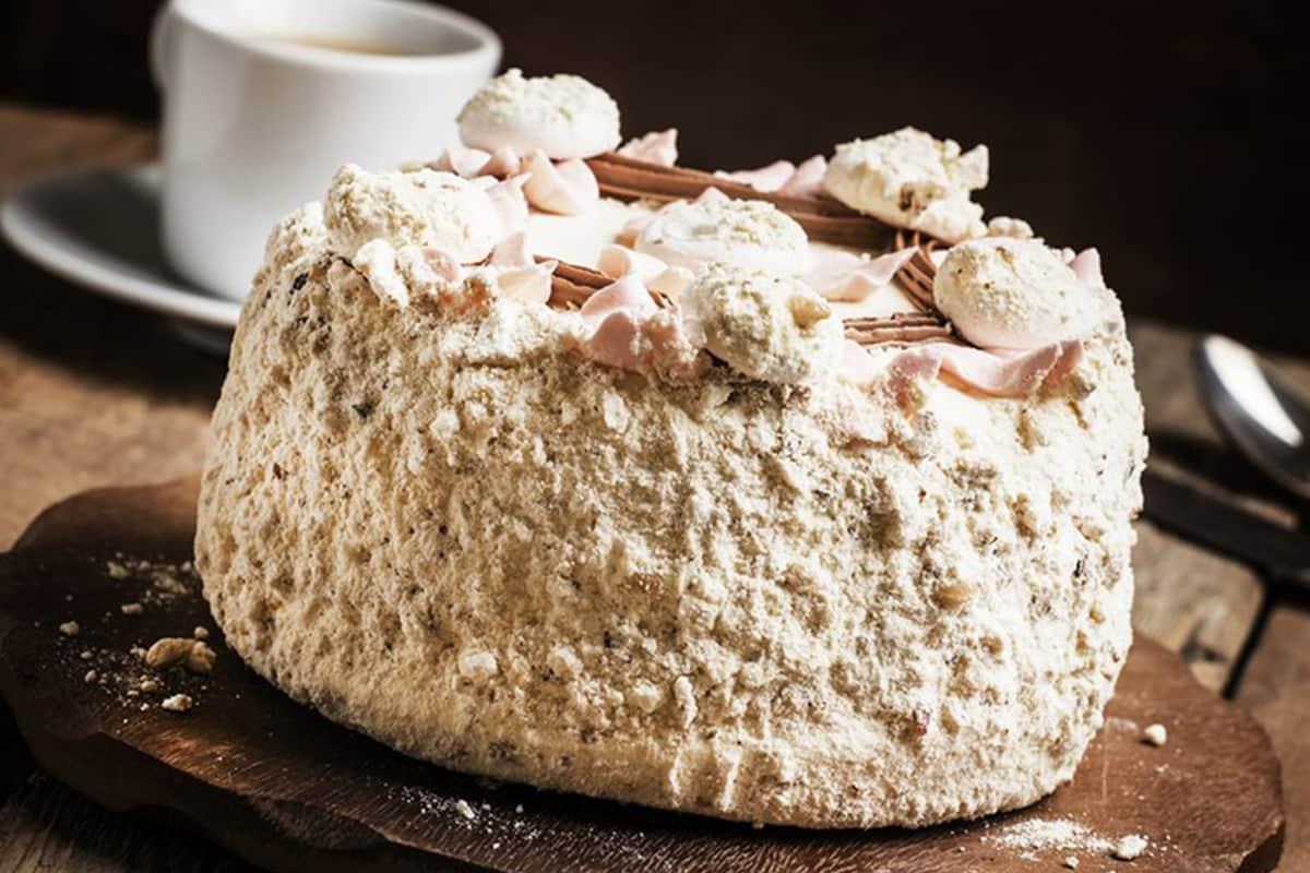 Торт, который свекровь печет на силиконовом коврике, если накануне громко ссорилась с мужем