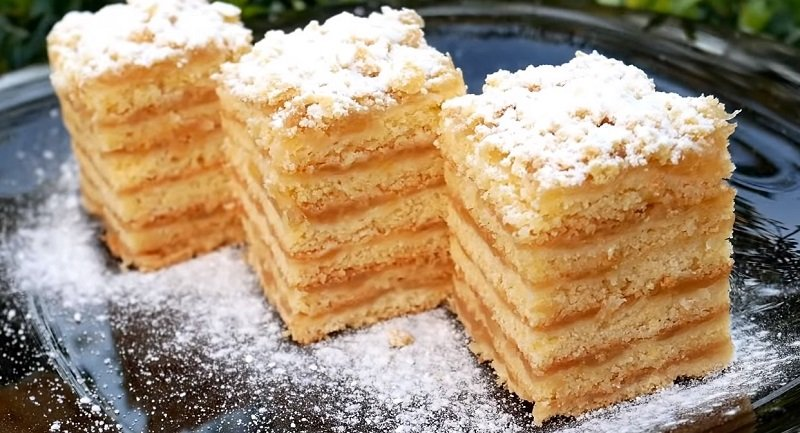 торт с яблоками и сметаной