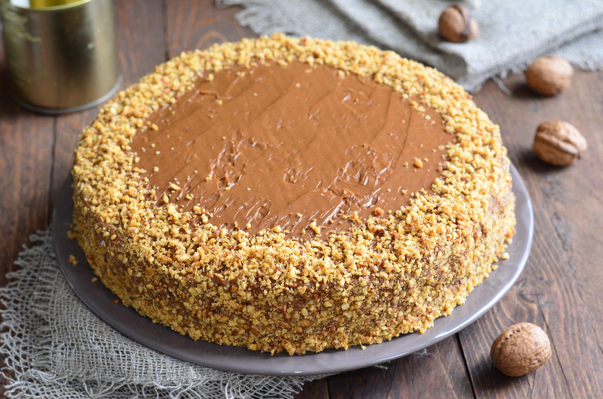 Торт с арахисом, который будет числится у семьи в любимых