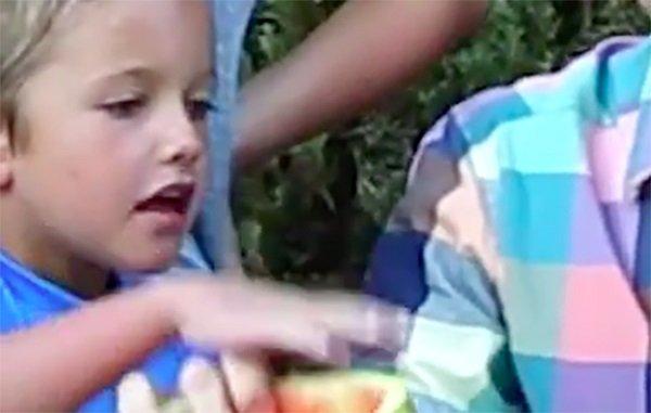 трюк с арбузом