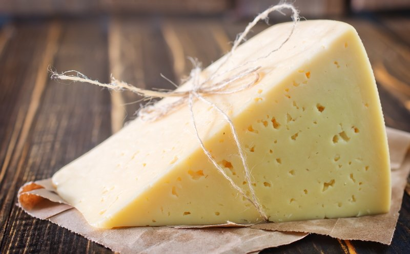 сделать твердый сыр из молока