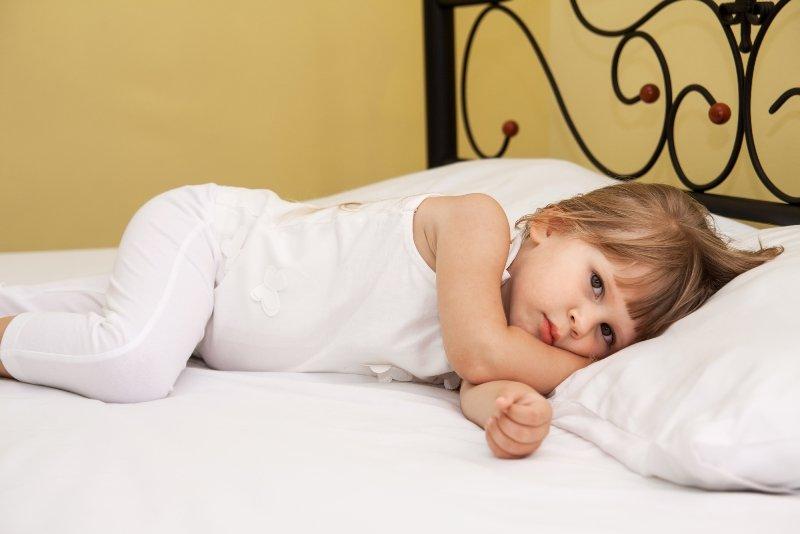 у ребенка болят ноги ночью
