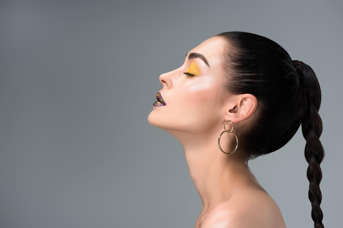 Что ежедневно делают балерины, чтобы сохранить точеную линию нижней части лица