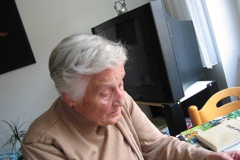 История бабушки, которая соврала внучке о завещании, чтобы убедиться в чистоте ее намерения