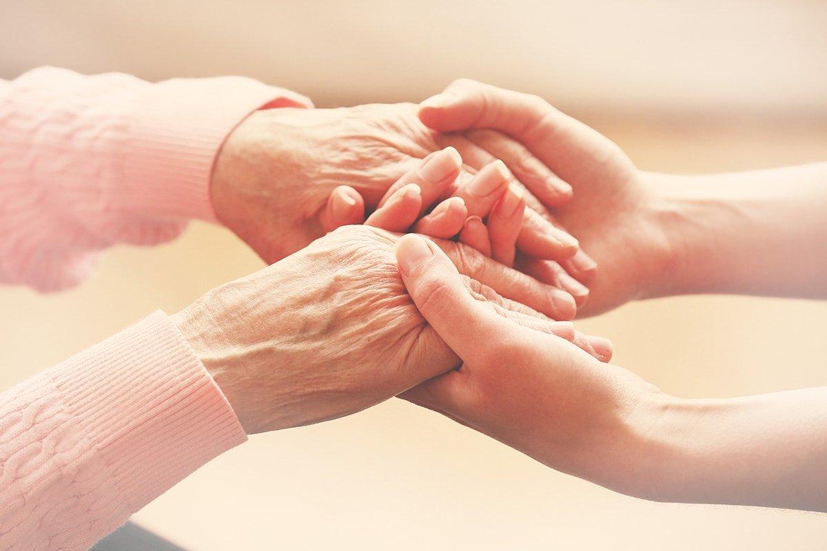 Уход за больным родственником — дело хорошее, но