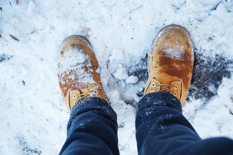 уход за кожаной обувью осенью