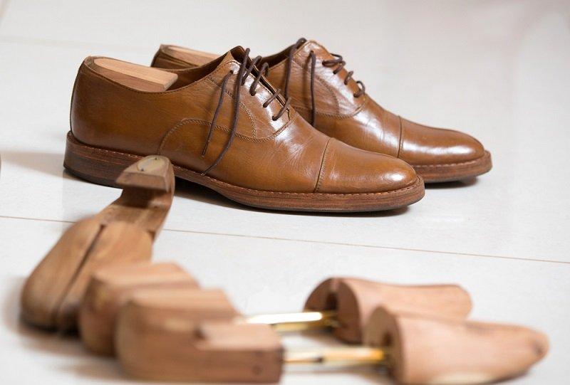 как ухажвать за кожаной обувью зимой