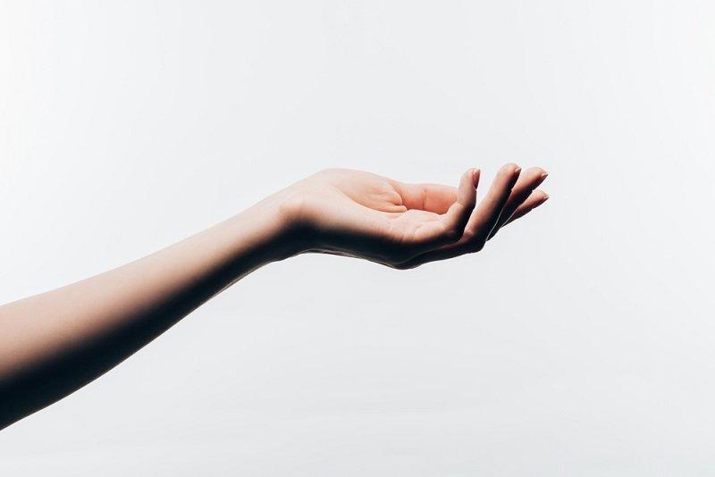кожа руки шелушится