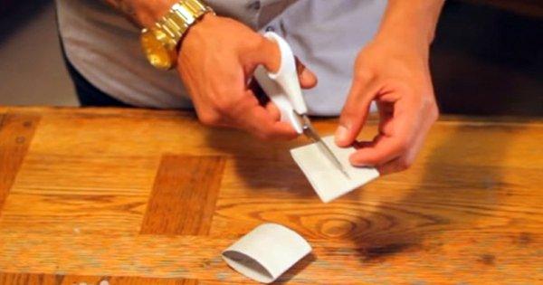 Он просто разрезал картонный вкладыш из туалетной бумаги… А получил потрясающий результат!