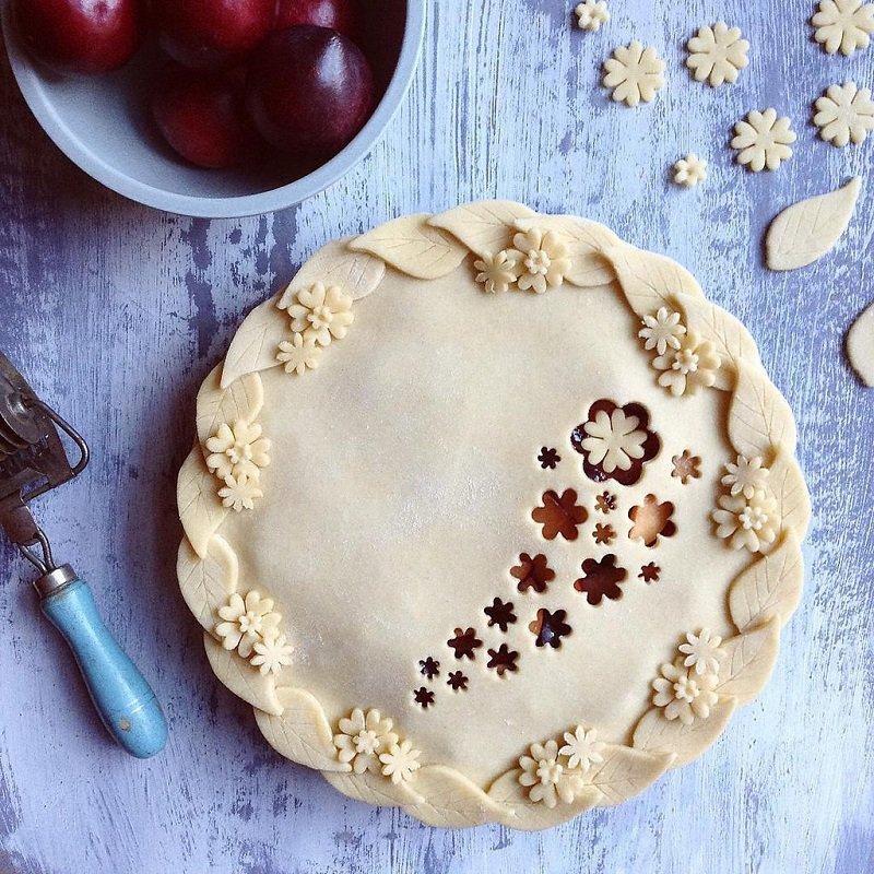 красивое украшение пирога