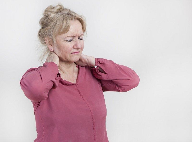 упражнения для шеи и плеч