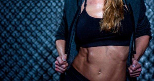 Готовим тело к лету! 9 результативных упражнений для пресса, рук и ягодиц.