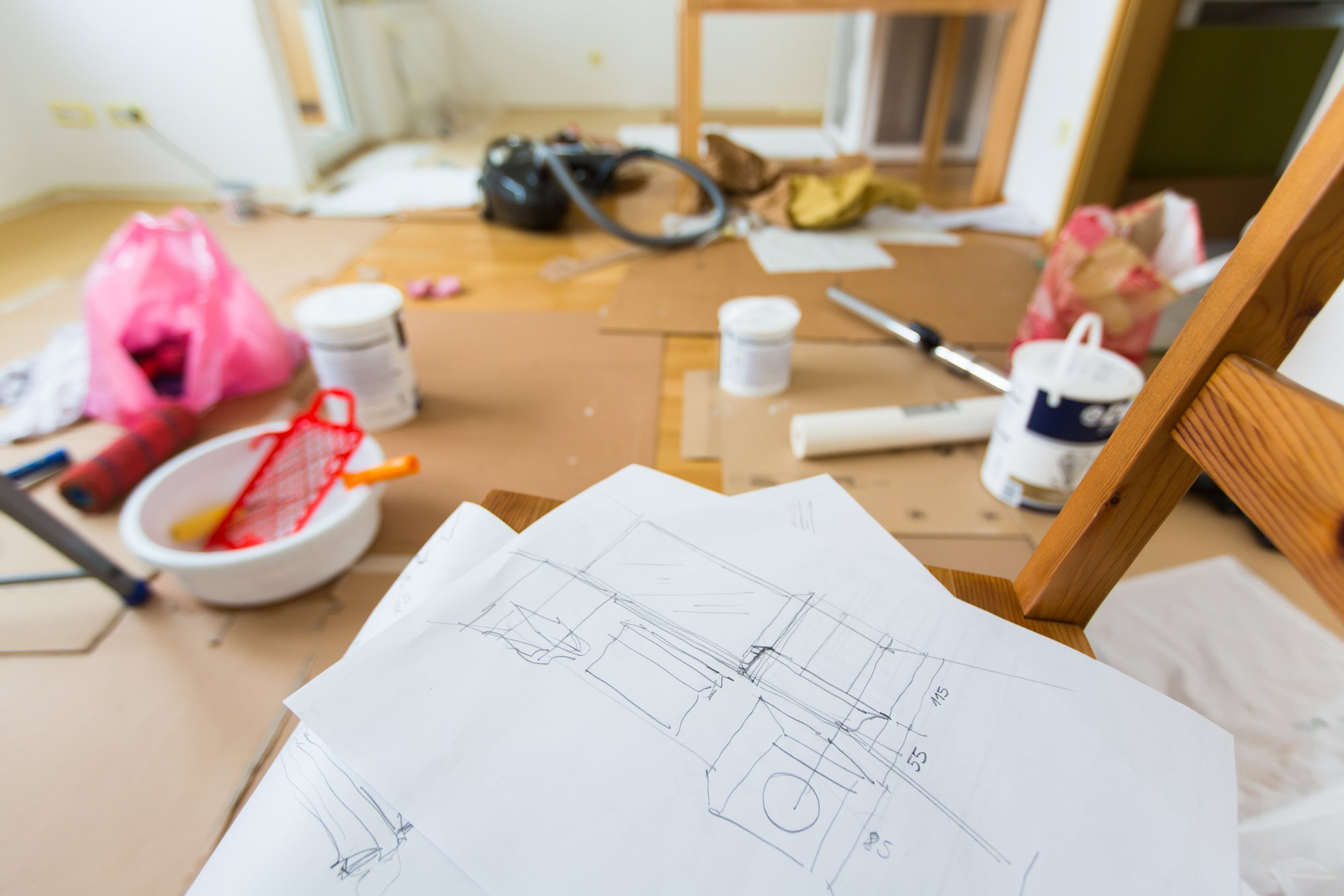 Стариковская обстановка в доме пугает женихов, делаю ремонт самостоятельно