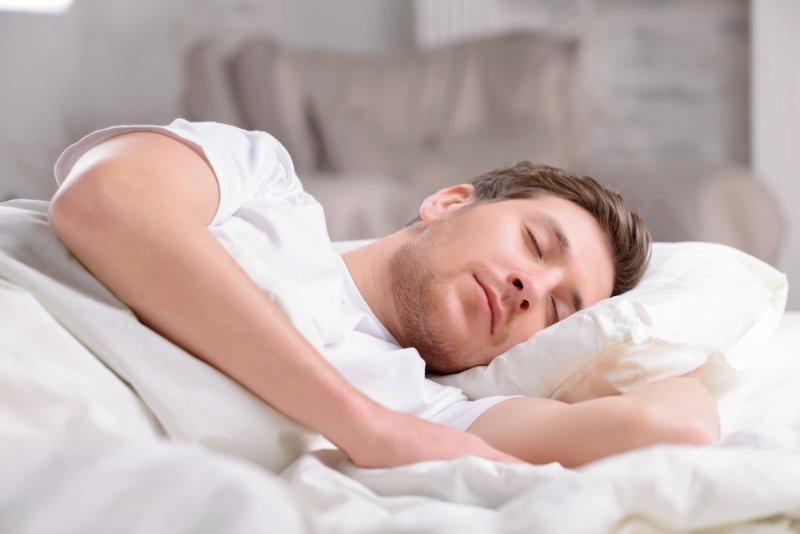 поза сна на боку