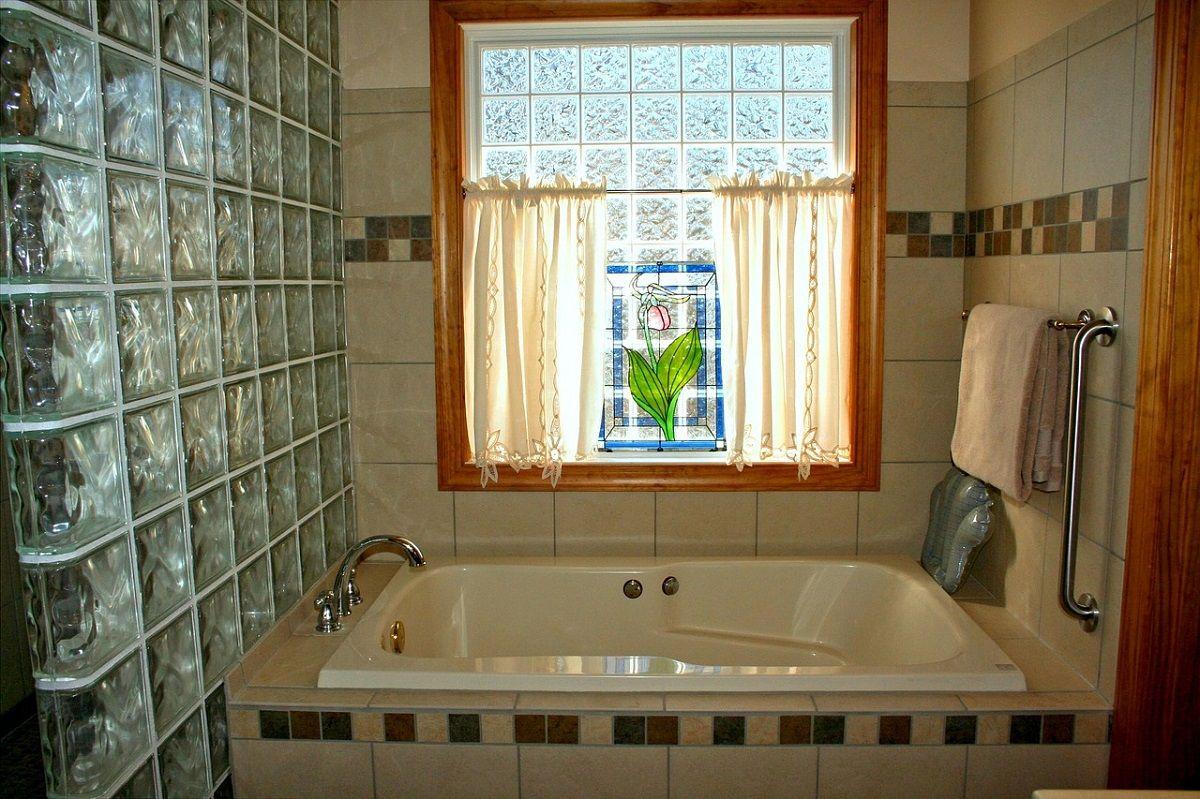 Отчего ванная комната в частном доме может стать черной дырой, куда утекает всё заработанное