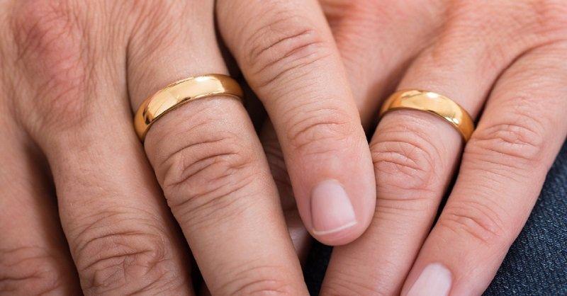 муж изменяет жене