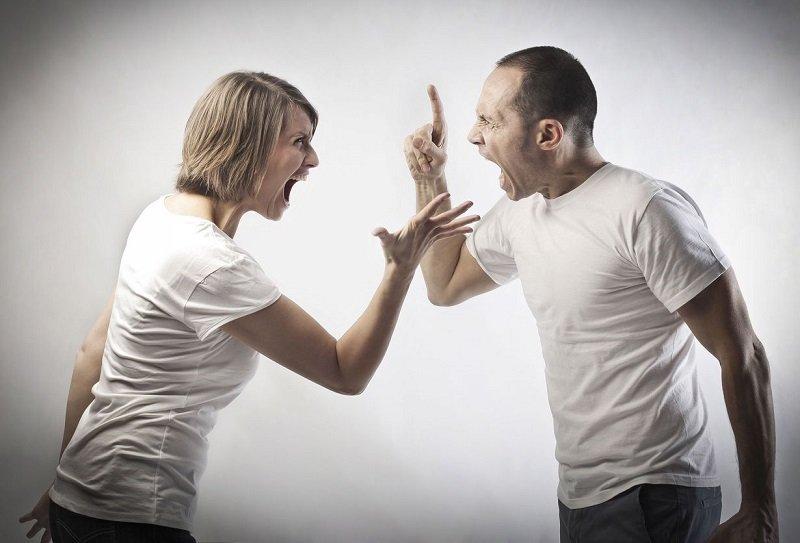 насилие  семье