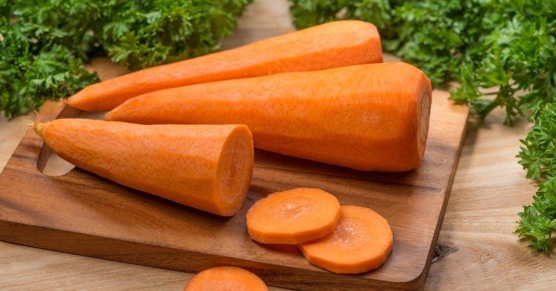 Ни одно застолье не проходит без морковного салата: не ломаю голову, что приготовить