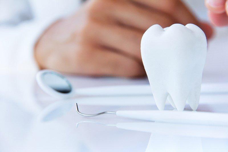 стоматолог врач