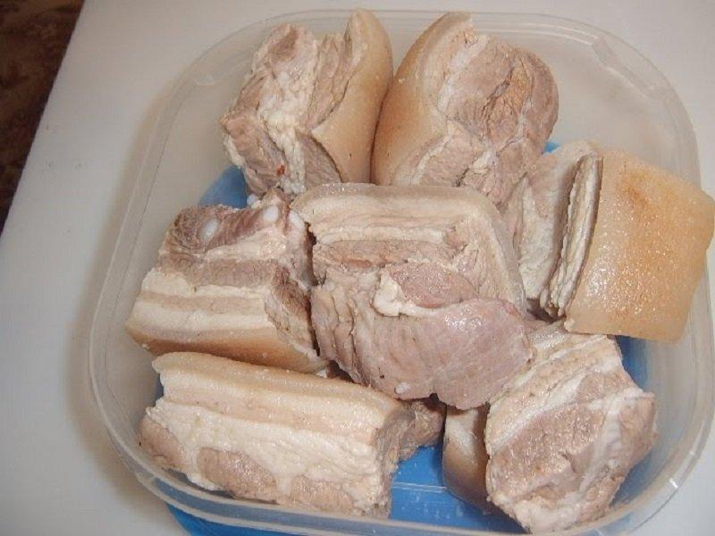 соленое сало внутри розовое