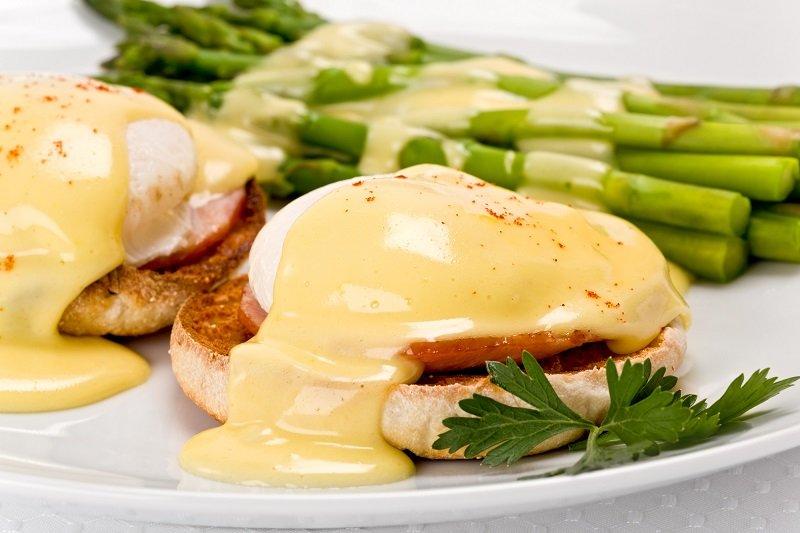 вкусные блюда из яиц и сосисок