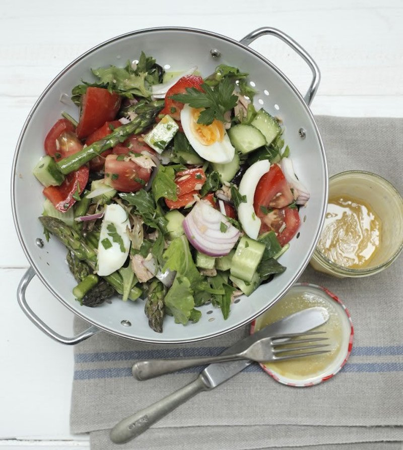 салат из спаржи и яиц
