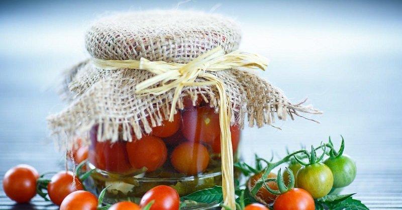 Квасим помидоры дома, рецепт называется «Зимой как найдем»