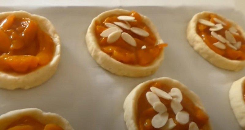 ватрушки с абрикосами
