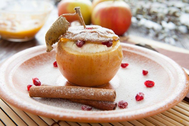 вкусные яблоки в духовке