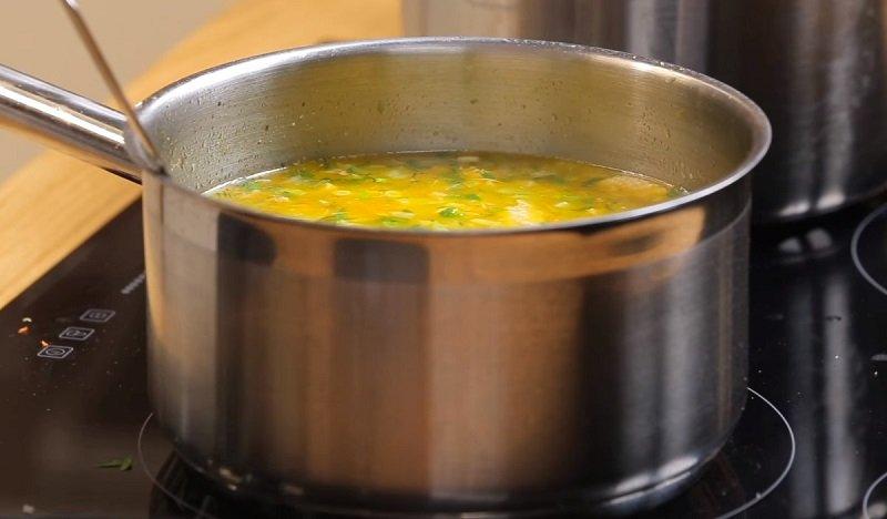 вкусный суп в курином бульоне