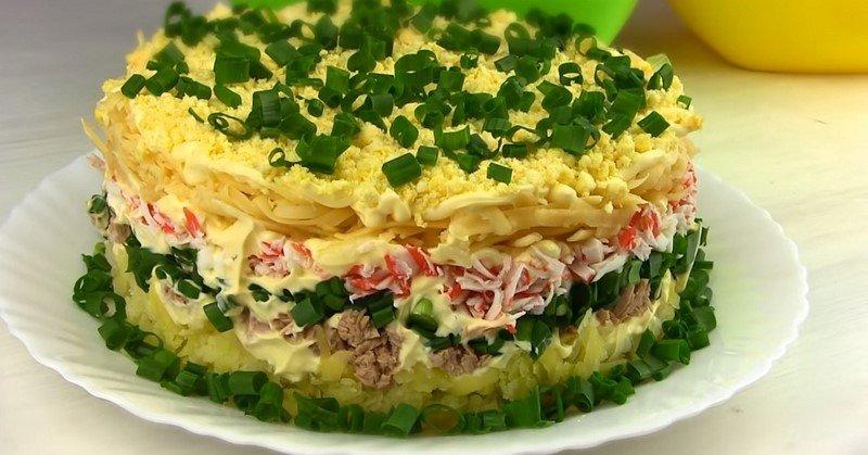 салат с тунцом чем заправить