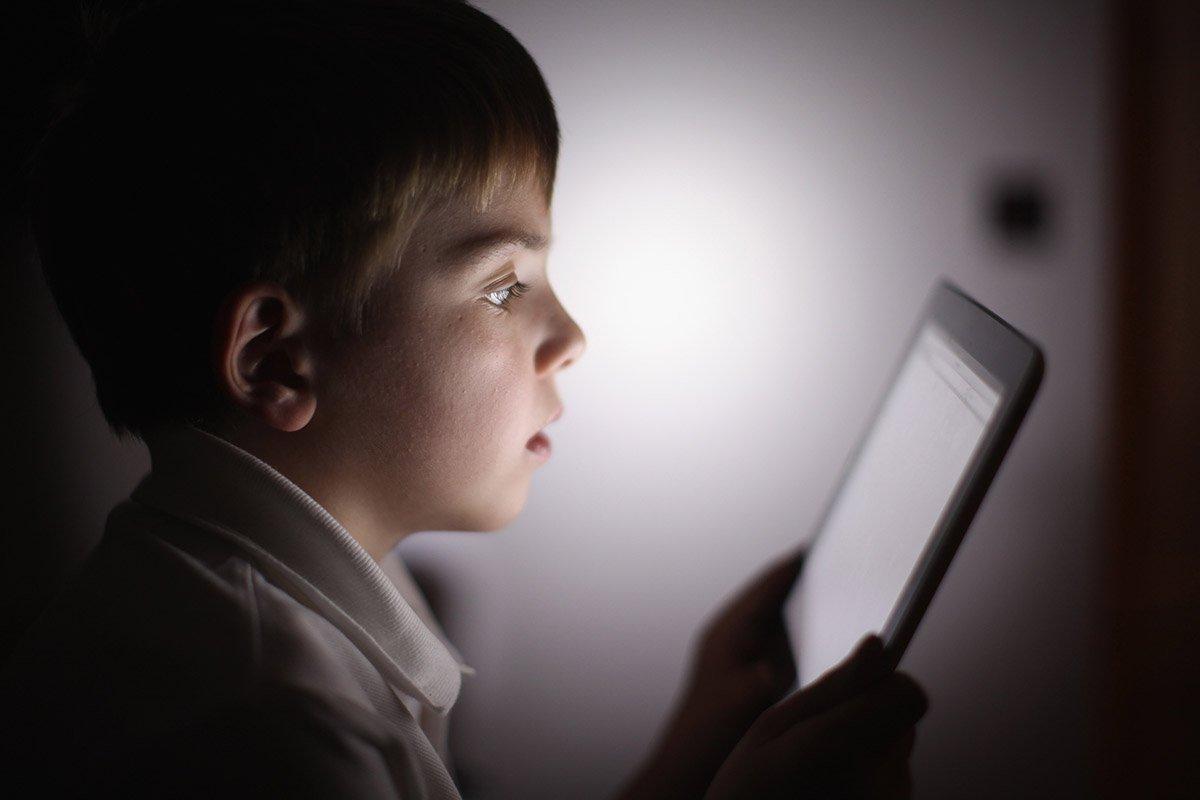 Строгая Алена Водонаева подарила сыну кнопочный телефон без доступа к Интернету Советы,Воспитание,Гаджеты,Дети,Интернет,Смартфоны,Соцсети,Телефон,Техника