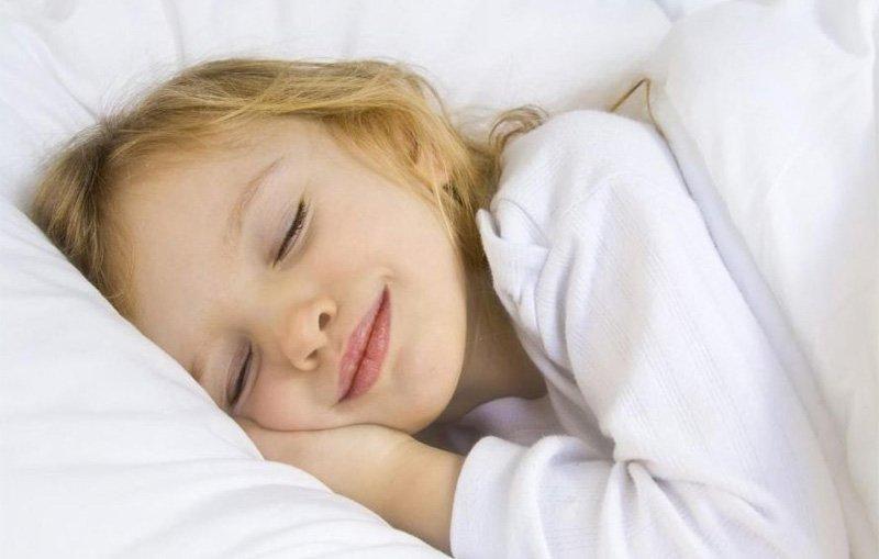 Заботливые родители никогда не позволят ребенку поздно лечь спать!