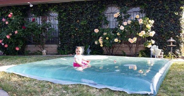 Оригинальное спасение от жары в твоем саду: 20 минут — и водный матрас готов!