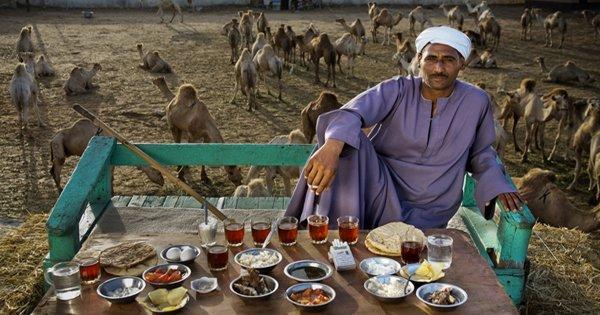 «Вокруг света за 80 диет». Снимки, которые открывают глаза на то, что едят люди во всём мире…