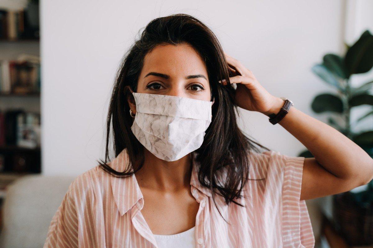 Почему некоторым так нравится носить маску на лице