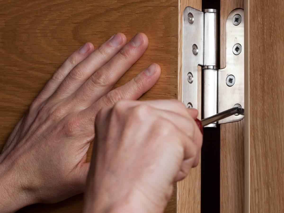 С какой целью архитектор умоляет не устанавливать две двери