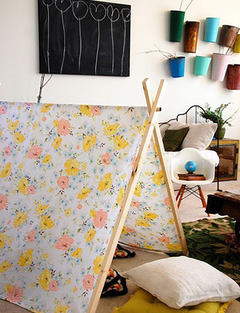 Плетеный коврик из простыней