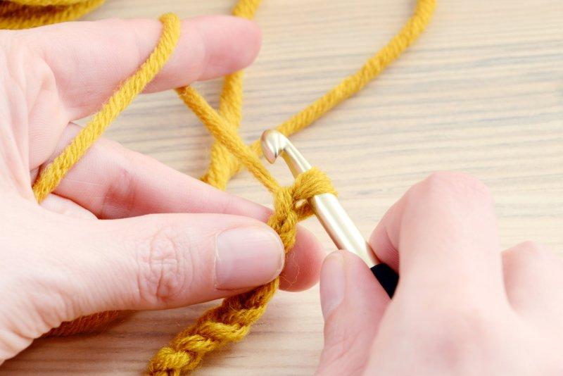 вязание вещей спицами