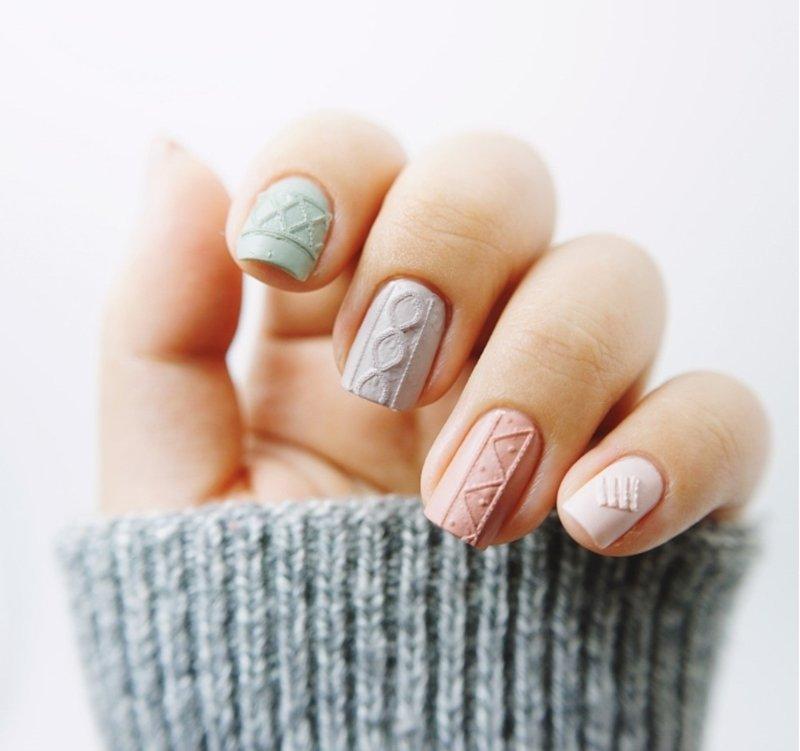 Теплый дизайн ногтей