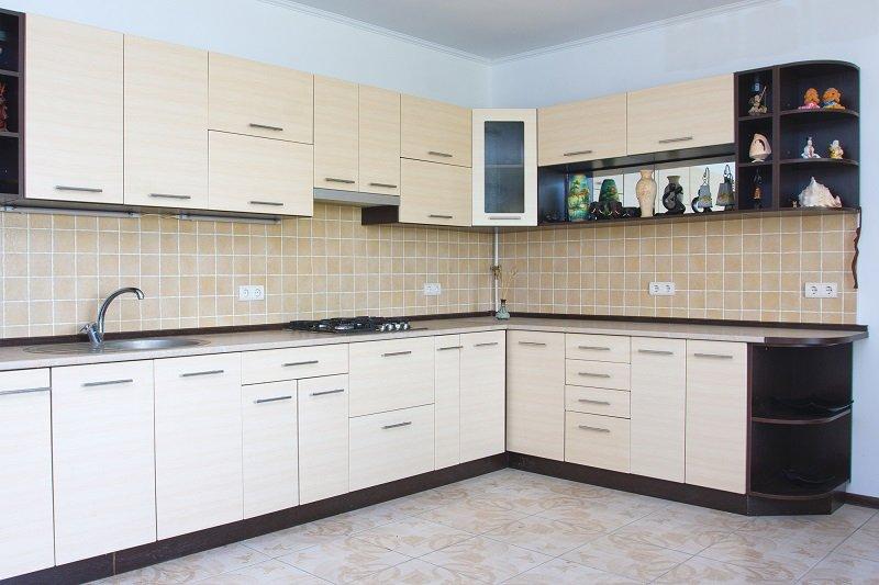 высота верхних шкафов на кухне